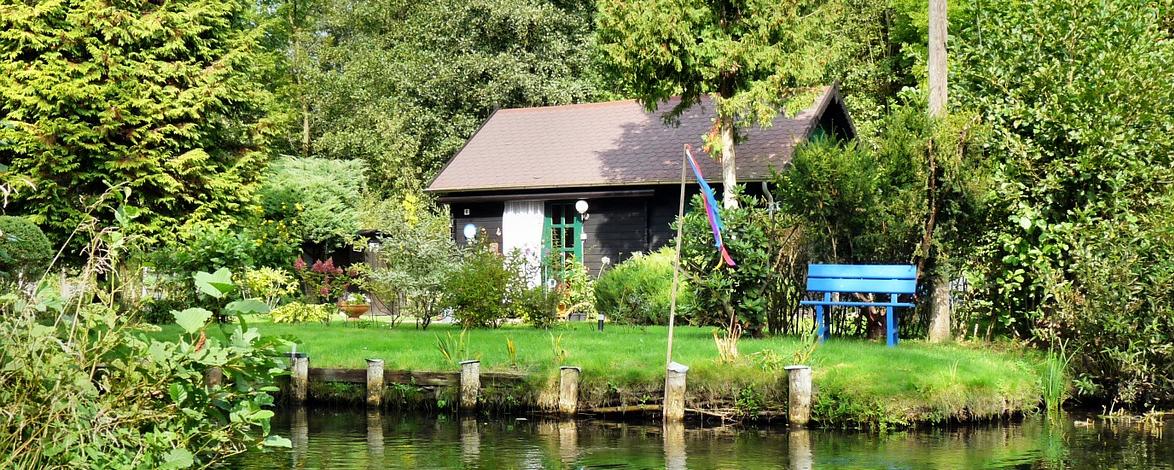Haus an einem Fluss im Spreewald